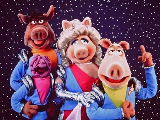 pigs_in_space_deep_dish_nine