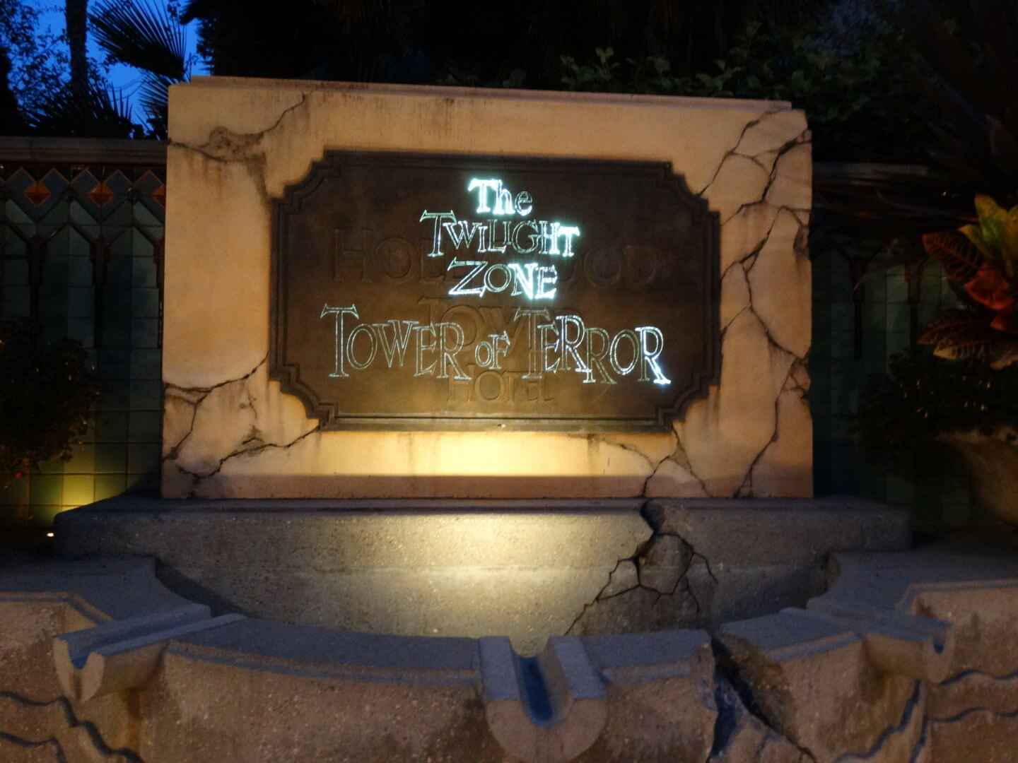 VIDEOS: The Twilight Zone Tower of Terror permanently ... Tower Of Terror Disney World Inside Video