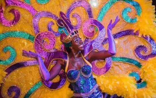 Universal-Mardi-Gras-2017-Parade-Performer