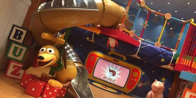 VIDEO Enhancements On Disney Cruise Ship Bring Frozen Marvel - Toy disney cruise ship