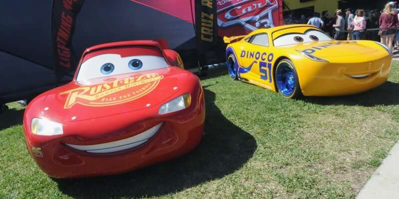 Watch the return of Lightning McQueen in new trailer for Cars 3