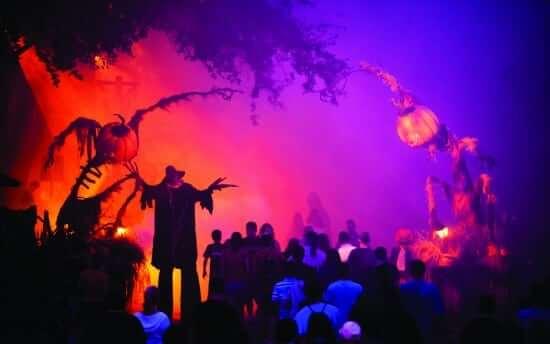 Publicity Celebrity VIP Alessandra Ambrosio Halloween Horror Nights XXII HHN 22 soundstage #20