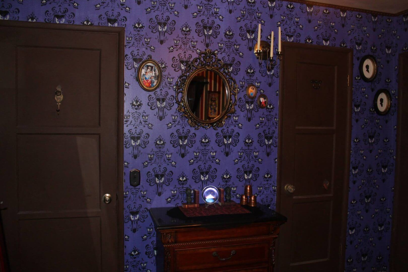 Disney floats the idea of Haunted Mansion-themed hotel ...  Haunted Mansion Themed Bedroom
