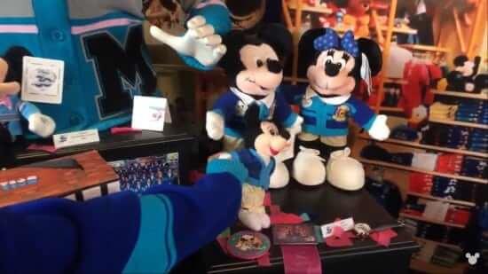 DisneyStore30-2