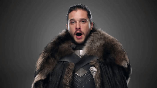 jon-snow-is-looking-warm-and-regal-as-king-in-the-north-in-his-fancy-furs-we-love-the-peek-of-his-valyrian-steel-sword-longclaw