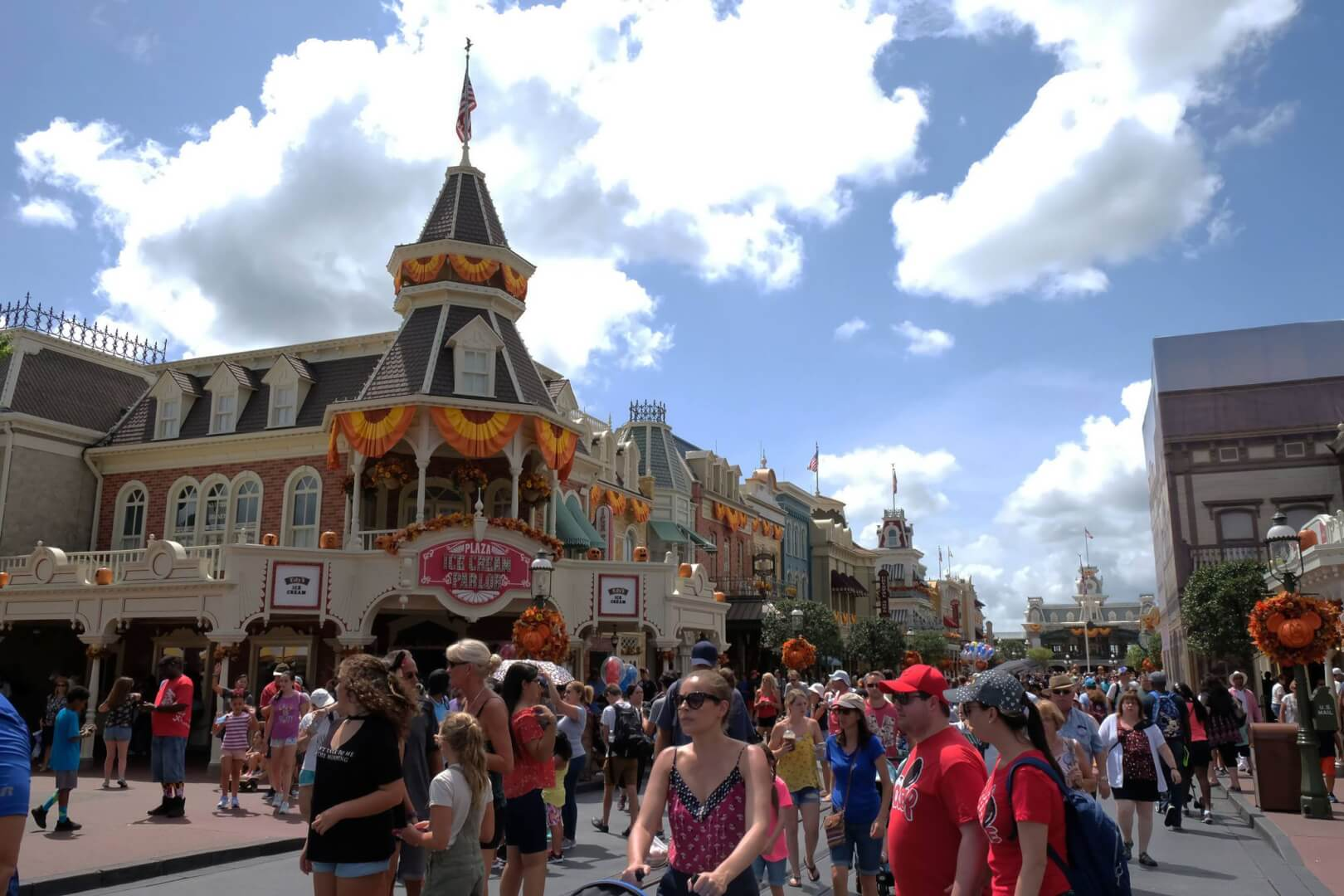 inside the magic kingdom I picked up inside the magic kingdom a few years ago on the promise of learning some of what makes disney, and specifically disney world, so successful the book features a fictitious group of five managers who meet with a consultant named mort they.
