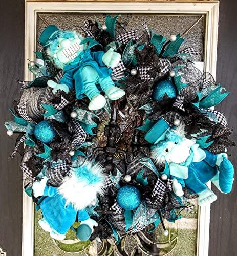 Haunted Mansion Hitchhiking Ghost Wreath