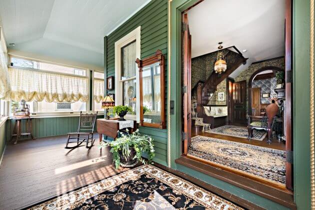 Lizzie Borden S Maplecroft Home For Sale Fully Decorated