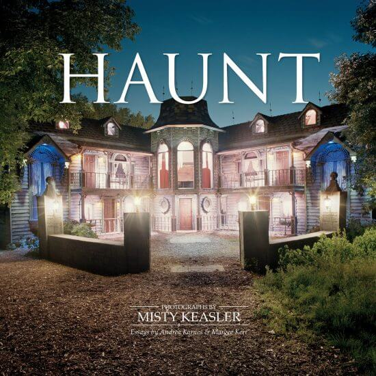 "13 Spooky Attractions Beautifully Photographed In ""HAUNT"