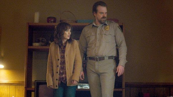 BREAKING: Stranger Things Cast Tease Season 3 Relationships