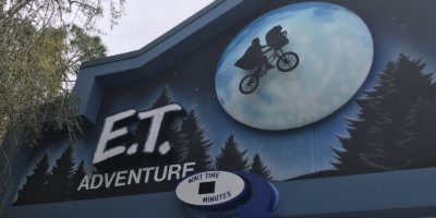 Boy's foot crushed on Universal Studio's E.T. ride, seeking $15,000 in damages