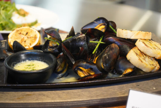 Skillet Roasted Mussels