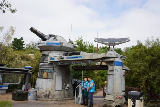 Star Wars Rise of the Resistance start of queue