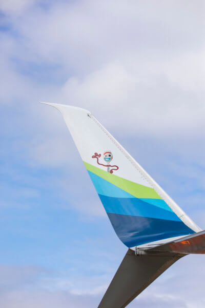 Winglet of Alaska Airlines Toy Story 4 plane with Forky