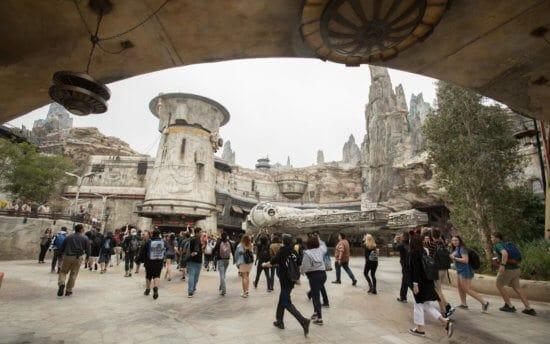 Star Wars: Galaxy's Edge crowds