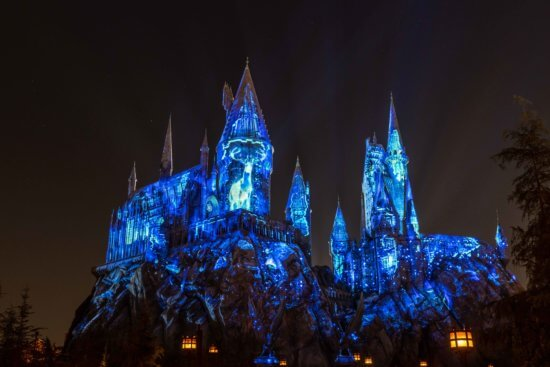 The Dark Arts at Hogwarts Castle Light Projection Show