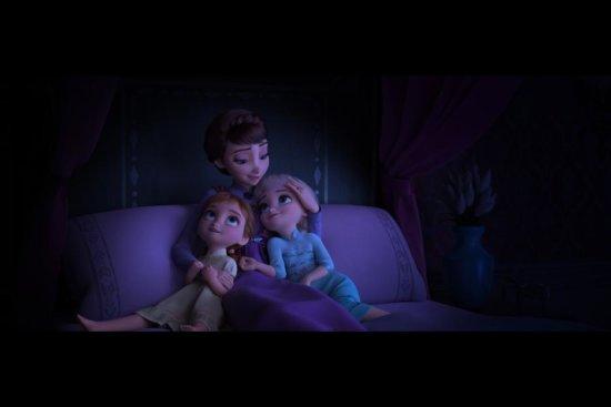 frozen 2 queen iduna anna elsa