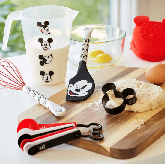 Disney Eats Baking Set