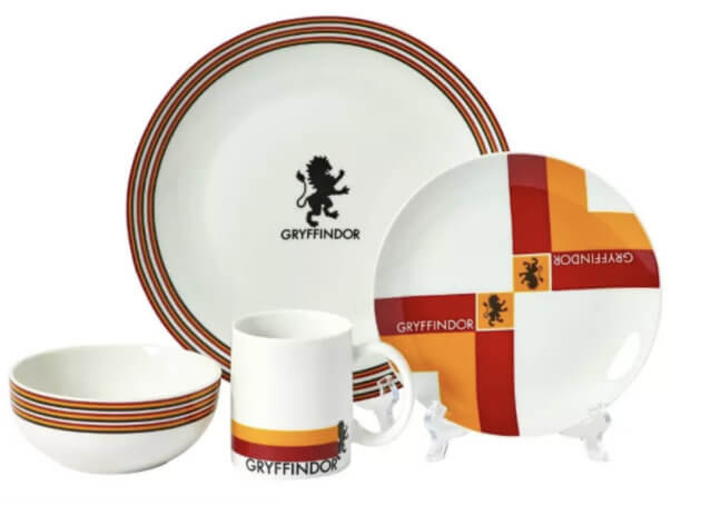 gryffindor plates for hogwarts