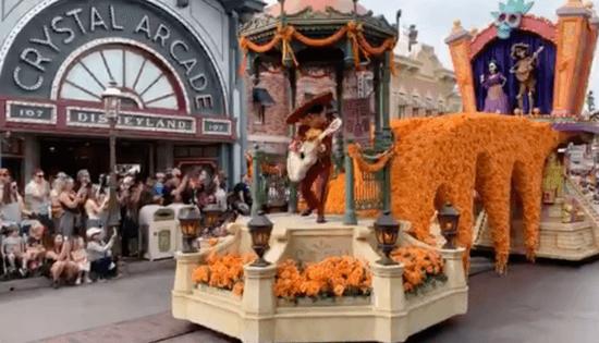 Coco, Magic Happens Parade, Disneyland
