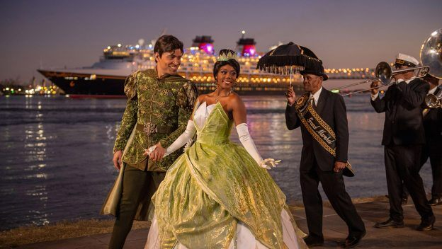 Tiana and Naveen with disney wonder in the background