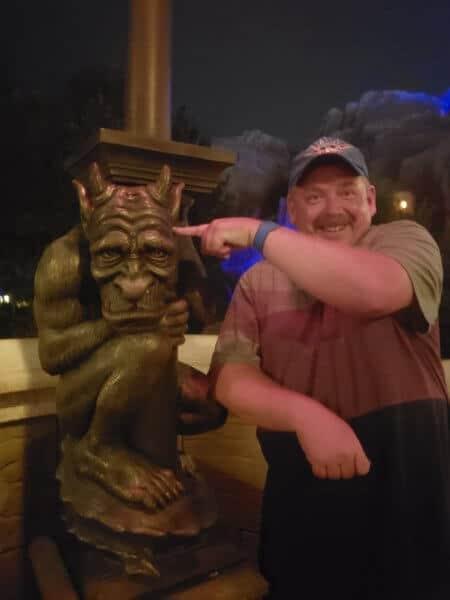 disney world cast member magic law officer