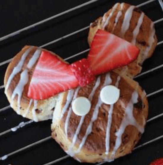 Minnie Mouse Cinnamon Buns