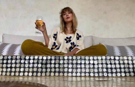 Photo of Taylor Swift.