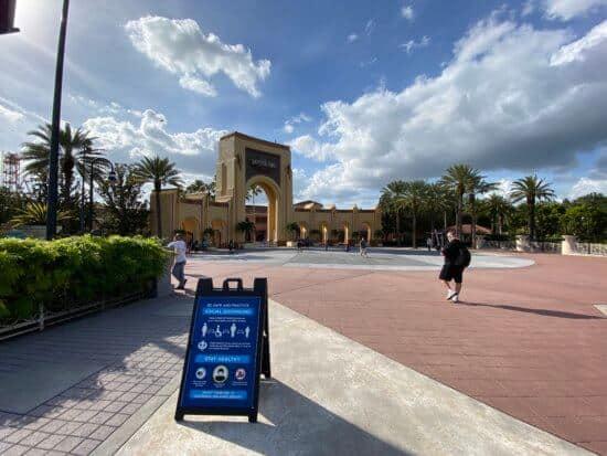 Universal Orlando Social Distancing