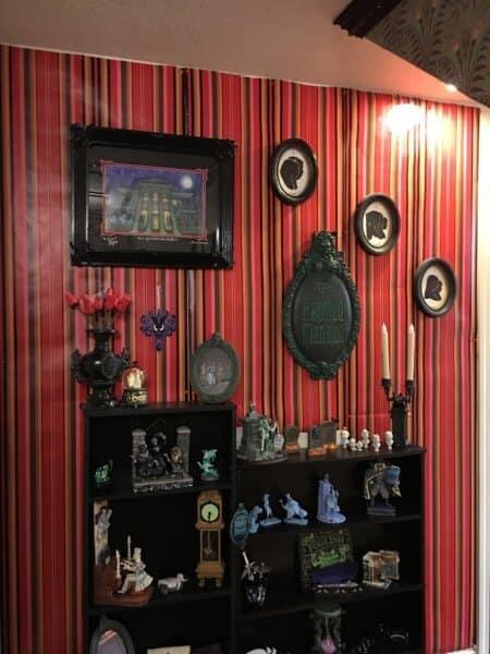 Haunted Mansion Wallpaper Detail