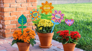 It's a Small World Planter Stakes