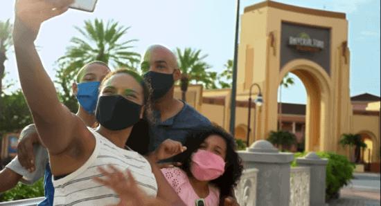 Universal Orlando Guests wearing face masks