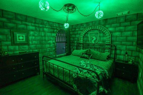 'Harry Potter' Inspired Vacation Slytheryn