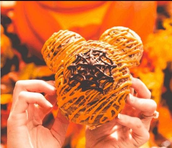 mickey cinnamon roll