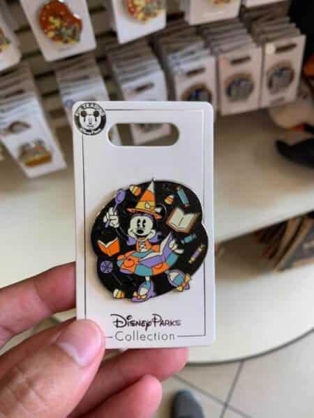 Minnie Halloween Pin