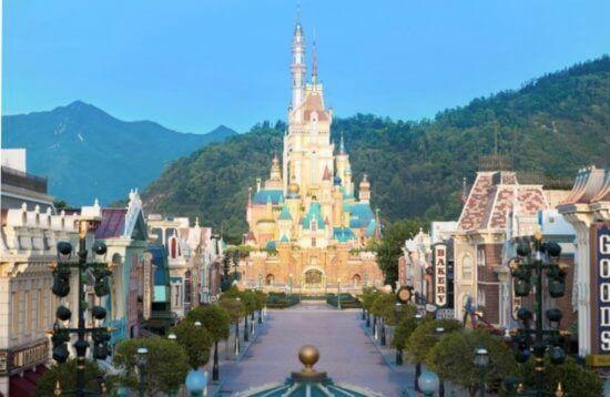 Hong Kong Disneyland's Castle of Magical Dreams