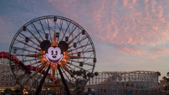 disney california adventure pixar pier