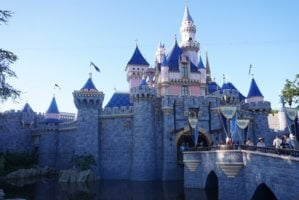 why disneyland still can't reopen