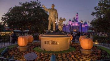disneyland halloween partners statue