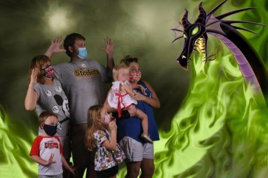 Disney PhotoPass Studio requires masks