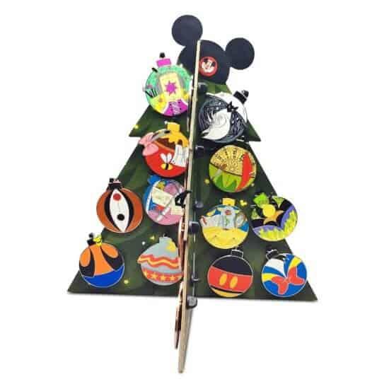 World of Disney Holiday Countdown Calendar Pin Set 2020