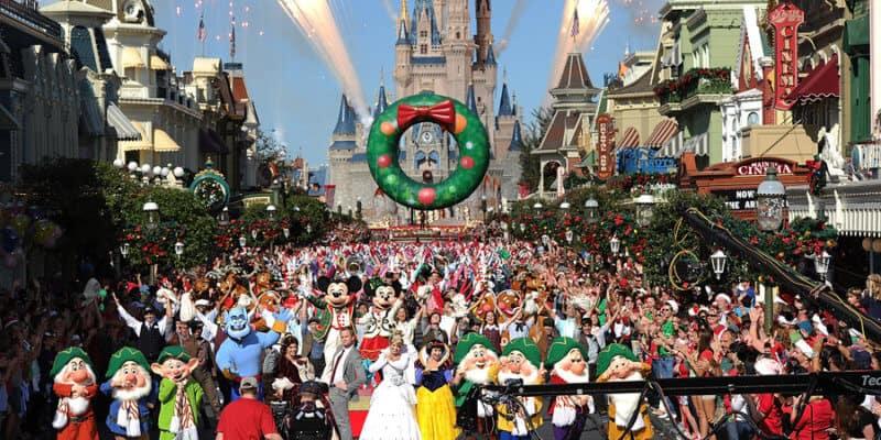 disney parks holiday parade