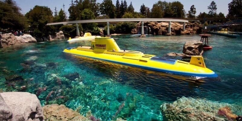 finding-nemo-submarine-voyage-00