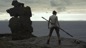 rey the last jedi on ahch-to