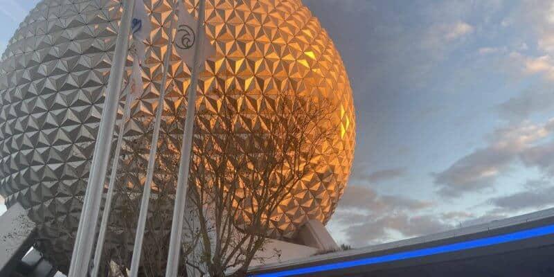 epcot spaceship earth lighting