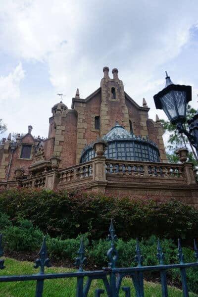 haunted mansion at walt disney world in florida