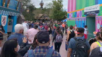 disney world crowd
