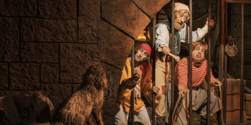 pirates of the caribbean dog and key jail scene