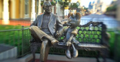 roy and minnie statue