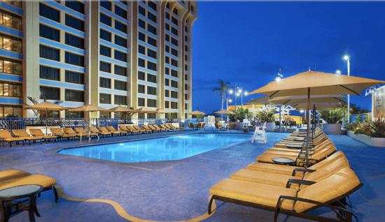 Paradise Pier Hotel swimming pool